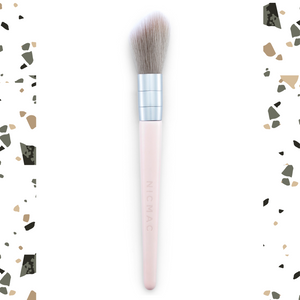 Cheek hugging highlight brush