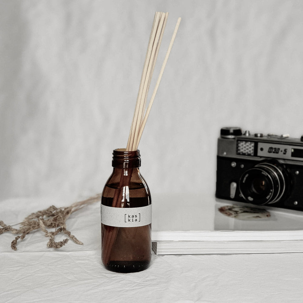 Load image into Gallery viewer, Kaskia verve reed diffuser, amber bottle