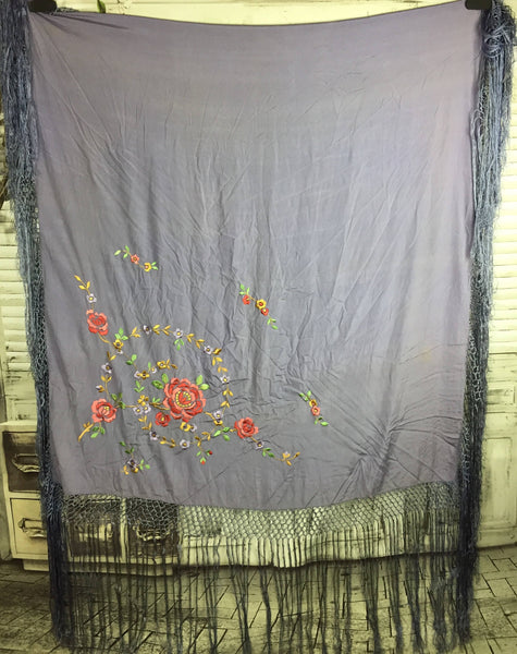Original 1950s Vintage Lilac Silk Shawl With Embroidered Flower Decorarion