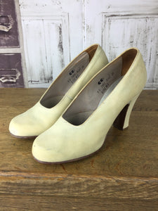 Original 1940s Vintage Cream CC41 Utility Heel Suede Leather Shoes