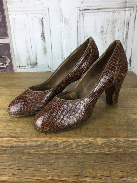Original 1940s Vintage Brown Reptile Lilley E Skinner Shoes