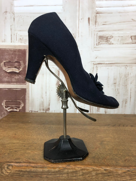 Original 1940s 40s Vintage Navy Blue High Heel Shoes