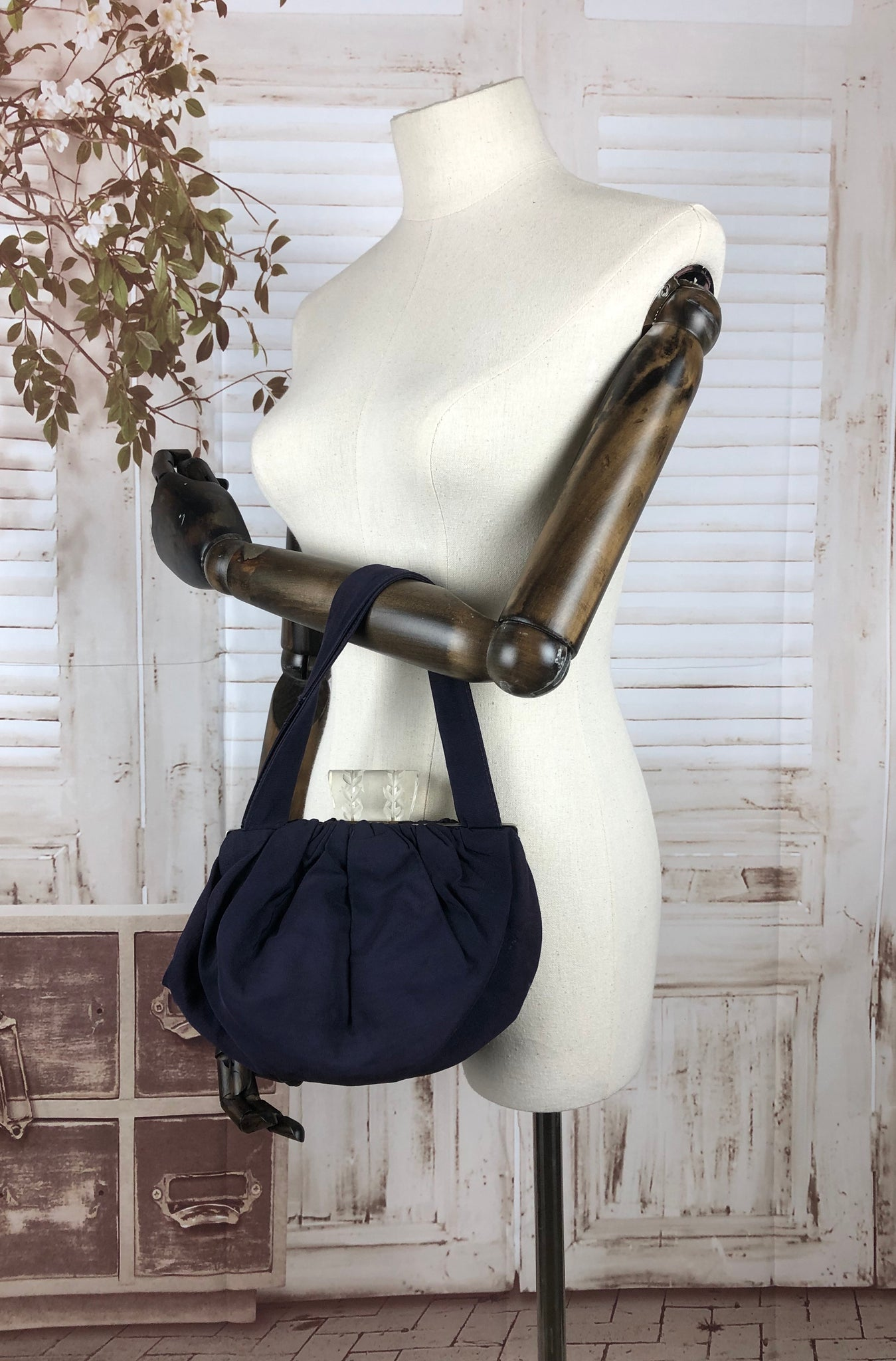 Navy Blue Faille 1940s 40s Handbag With Carved Lucite Top