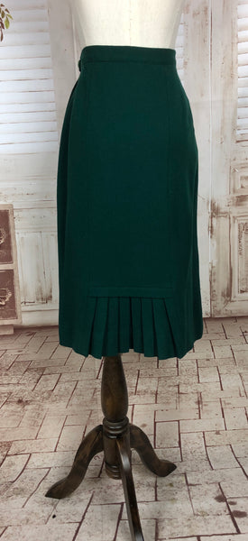 LAYAWAY PAYMENT 1 OF 2 - RESERVED FOR BRIANA - PLEASE DO NOT PURCHASE - Original Vintage 1940s 40s Forest Green Wool Skirt
