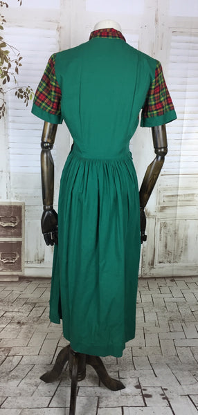 Original 1940s 40s Vintage Green And Red Plaid Cotton Dress With Pleated Skirt
