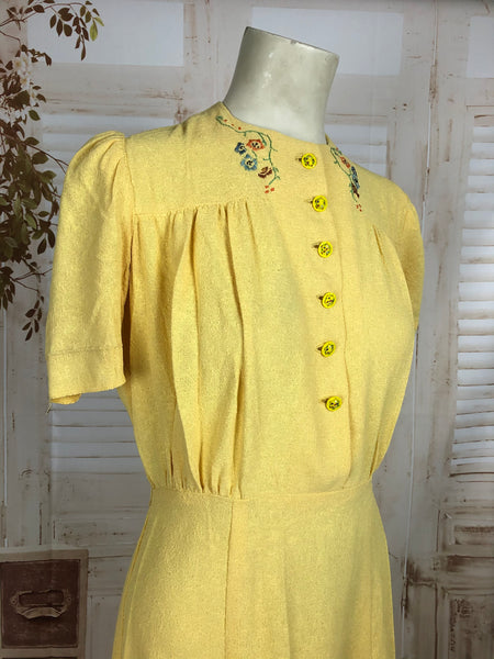 Original Vintage 1930s 30s Yellow Cotton Summer Dress With Puff Sleeves Painted Buttons And Embroidered Flowers