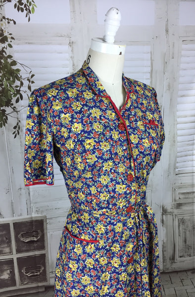 Original 1950s Vintage Novelty Print Floral House Dress With Red Bakelite Buttons
