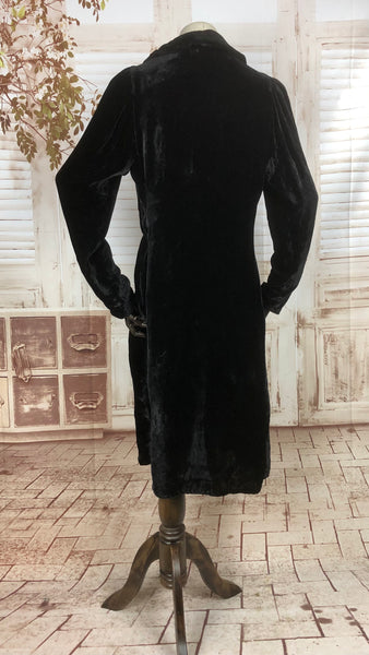 Original 1930s 30s Vintage Black Velvet Femme Fatale Dress