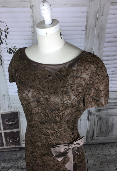 Original 1950s 50s Brown Satin With Soutache On Lace Floral Decoration Vintage Cocktail Dress Volup