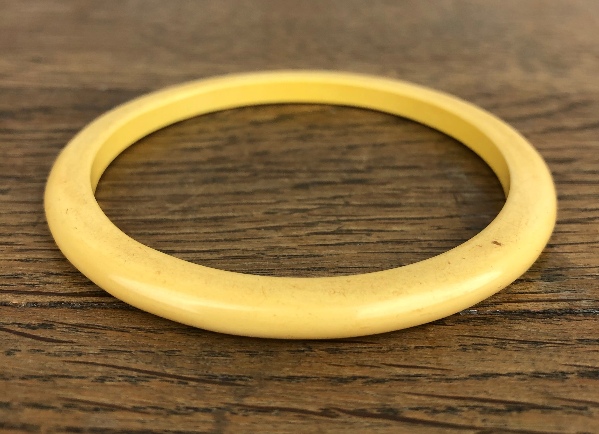 Buttercream Pale Yellow Bakelite Spacer Bangle
