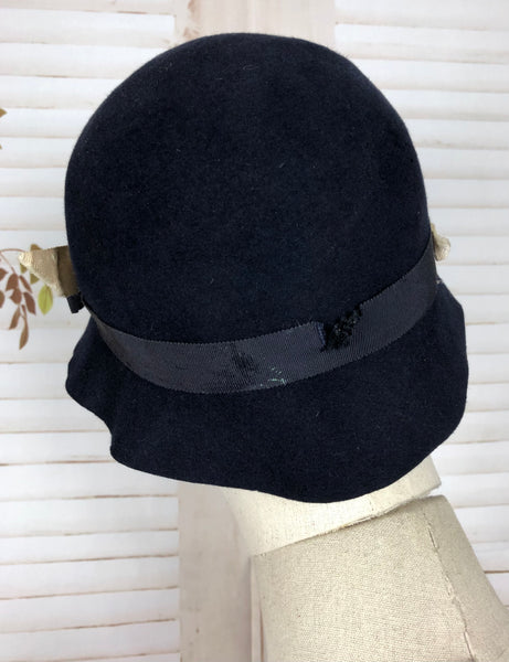 Original 1930s 30s Vintage Navy Blue Cloche Hat