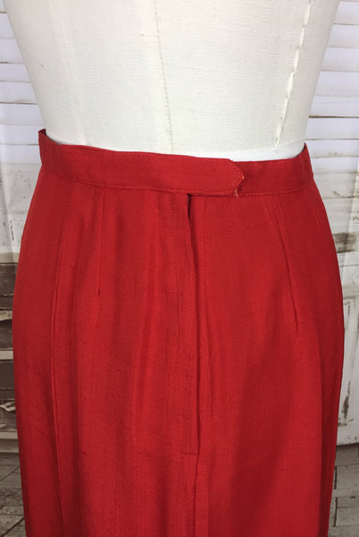 Original 1940s 40s Vintage Red Shot Silk Arrow Skirt Suit With Amazing Buttons