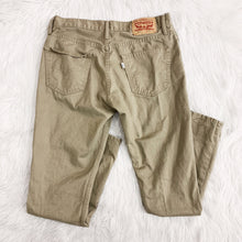 Load image into Gallery viewer, Levi's Pants // Size 34x32