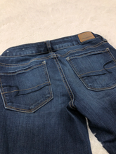 Load image into Gallery viewer, American Eagle Denim Size 1/2 (26)