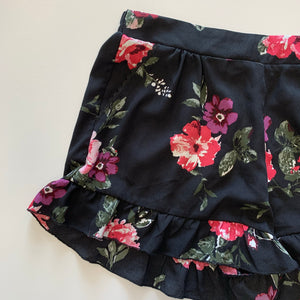 Living Doll shorts // size Large