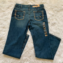 Load image into Gallery viewer, Ariat Jeans // 36x38