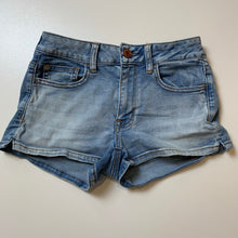 Load image into Gallery viewer, American Eagle Shorts // Size 3/4