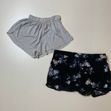 Load image into Gallery viewer, John Galt Shorts // Size Small