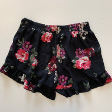 Load image into Gallery viewer, Living Doll shorts // size Large