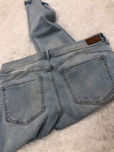 Load image into Gallery viewer, Express Denim Size 13/14 (32)