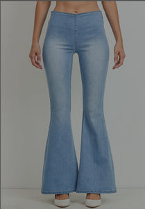 Mid-Rise Flare Jean Light Wash