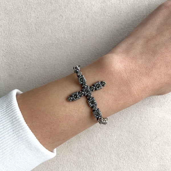 Cross Bracelet in Black Diamond