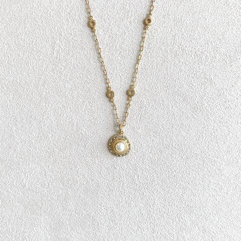 Small Round Crystal Pearl Medallion Necklace