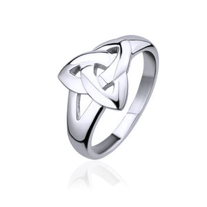 Triquetra Ring