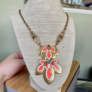 Stella & Dot Hibiscus Necklace with Leaves