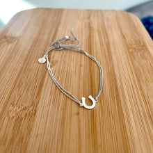 Load image into Gallery viewer, Stella and Dot Horseshoe Wishing Bracelet