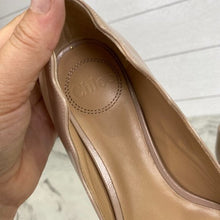 Load image into Gallery viewer, Chloé Laurena Scalloped Leather Flats Size 36.5 US Size 6.5
