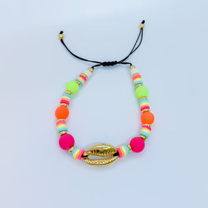 Color and Shell Bracelet