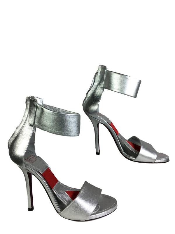 AMANDA GREGORY Hand Cobbled Silver Metallic Ankle Strap Stiletto Shoe Size 37