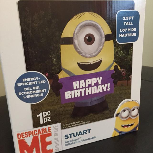 Universal Airblown Inflatable Minion Stuart with Birthday Sign Yard Décor Self-inflates in seconds