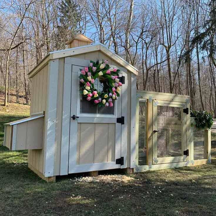 The Charming Coop - 4'x4' Primed w/ Run