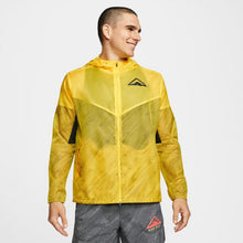 Load image into Gallery viewer, M Nike Windrunner