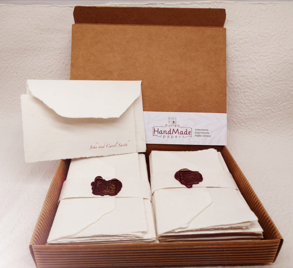 Elegant package with 20 small envelopes with natural white paper card