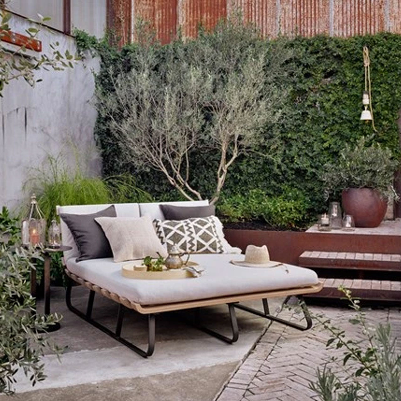 Tiffany Hunter Home & Design Center Outdoor Seating for Sale