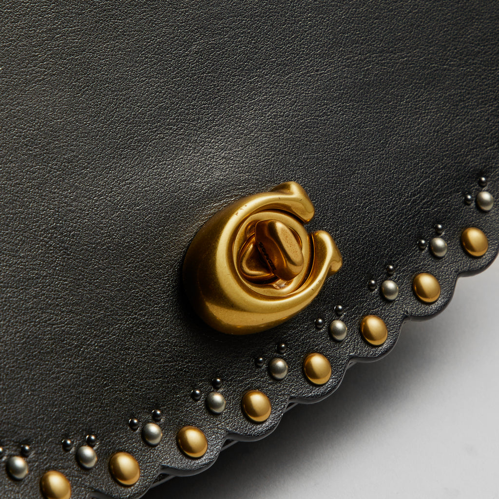 Scallop Rivets Paker Saddle Bag
