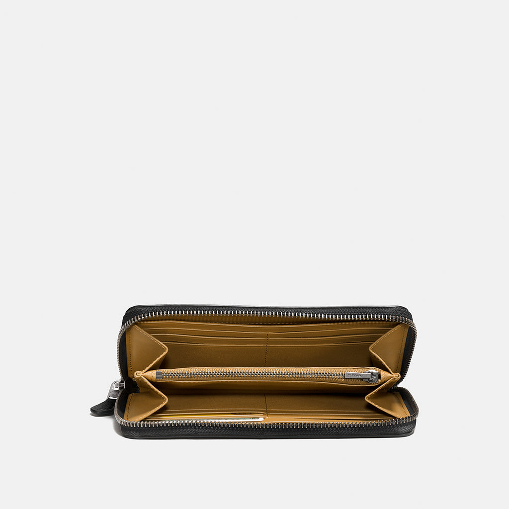 Glovetanned Pebble Accordion Zip Wallet