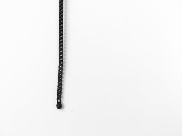 Black cube chain and glass bead of lariat necklace