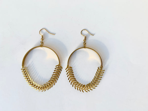 Gold fishbone chain statement earrings