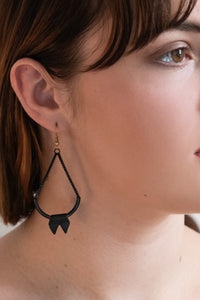 PLEASE ME Arch Earrings