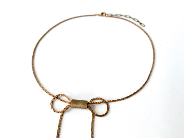 Bow of choker necklace