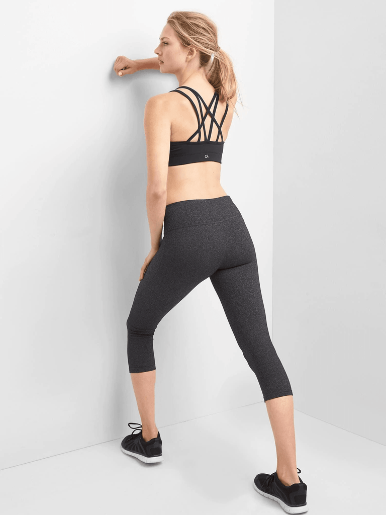 GapFit Medium Impact Strappy Sports Bra - Dippla.Shop