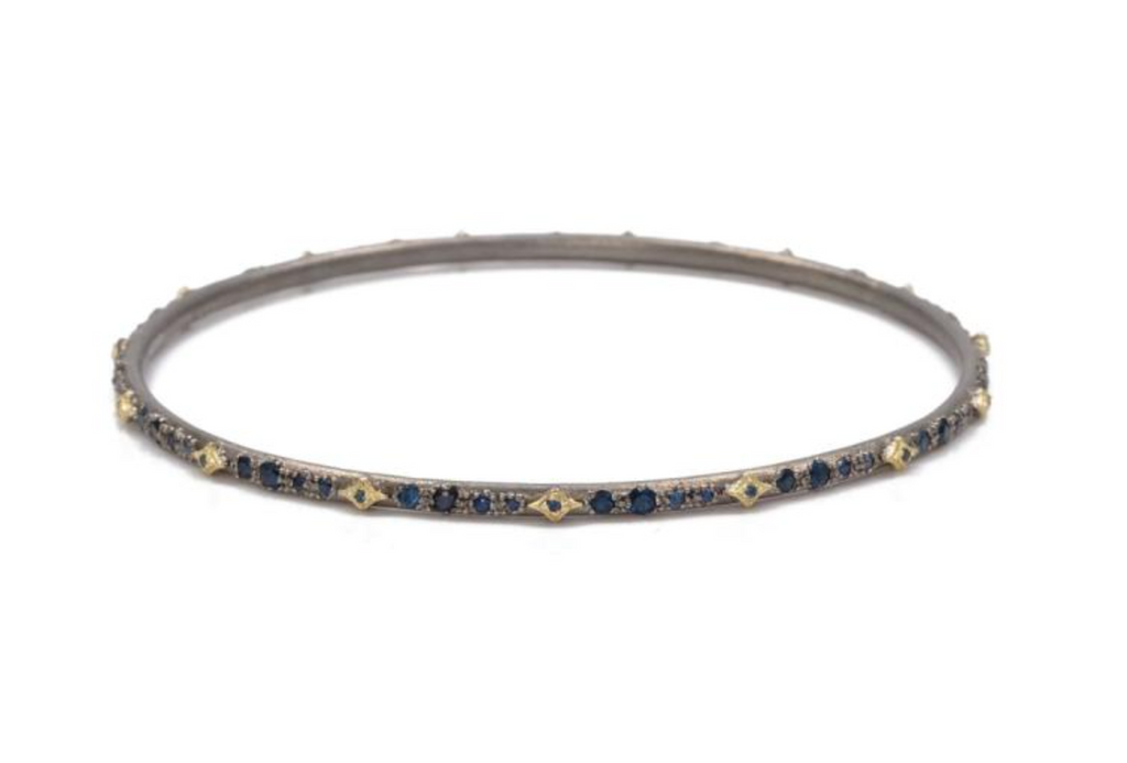 Old World Bracelet 18K Gold with Blue Sapphire and Cravelis Stations