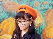 Load image into Gallery viewer, Anxious Pumpkin Beret