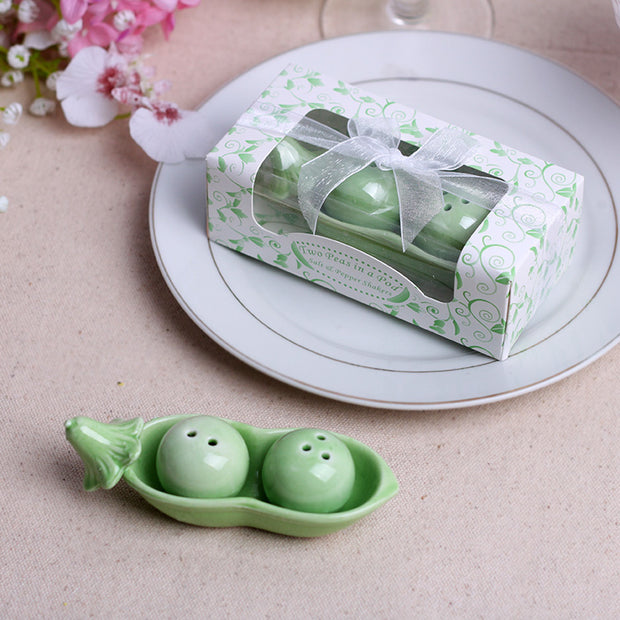SPS019--Wedding Favors Salt Pepper Shakers Pea - Wforwedding