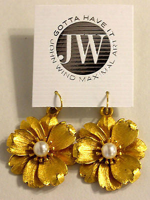 John Wind Maximal Art! Gold Flower w/Pearl In Center Earrings!