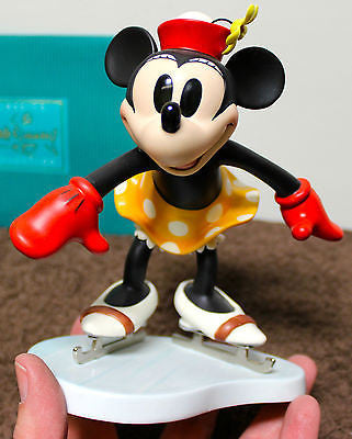 "WDCC! Minnie Mouse ""ON ICE"""